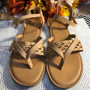 Shoes - TOMS TAN LEATHER SANDALS SIZE 9